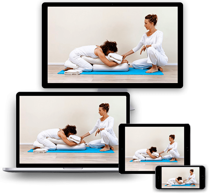 Postnatal yoga teacher training online
